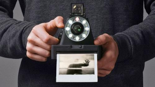 I – 1 - Máy ảnh phim đầu tiên của dự án Impossible