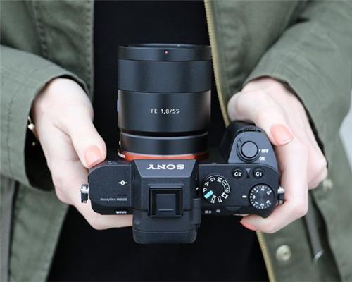 Máy ảnh Sony A7 Mark III sẽ được tung ra vào quý 2/2017