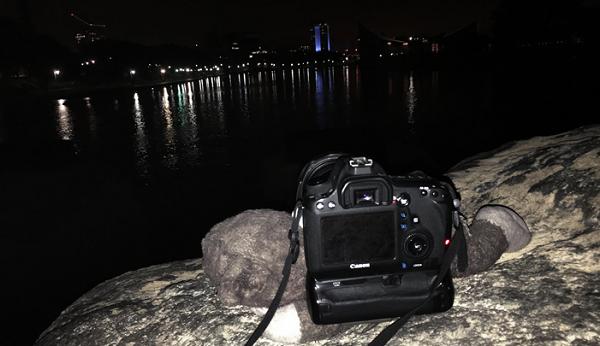Khi không có chân máy: làm thế nào bạn chụp ảnh đêm?
