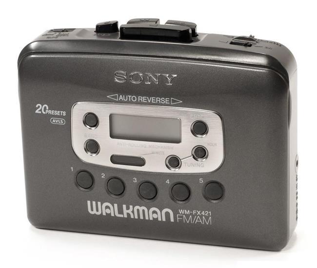 Cùng nhìn lại 40 năm phát triển của dòng máy nghe nhạc Sony Walkman