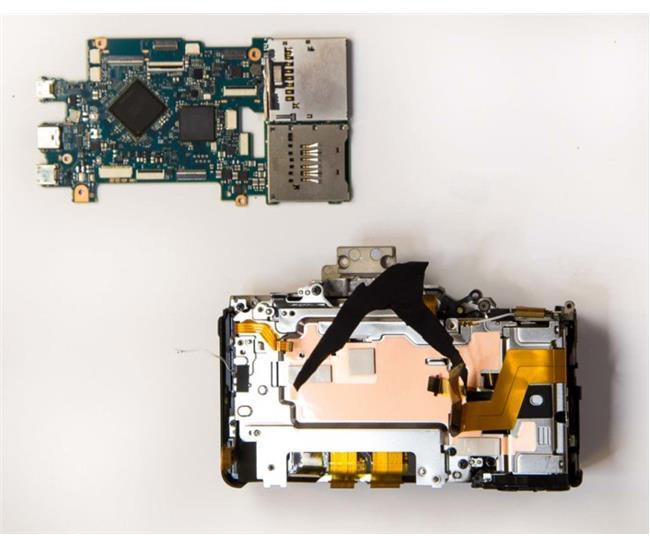 Khám phá các bộ phận bên trong máy ảnh Sony A7R Mark III