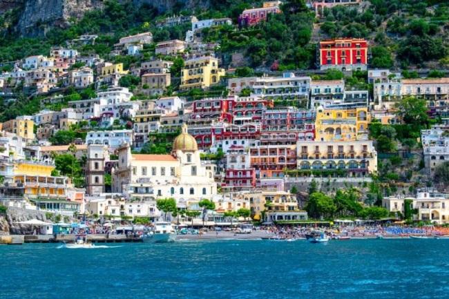 Kỳ lạ thị trấn Positano của Ý áp đặt thuế cho nhiếp ảnh thương mại