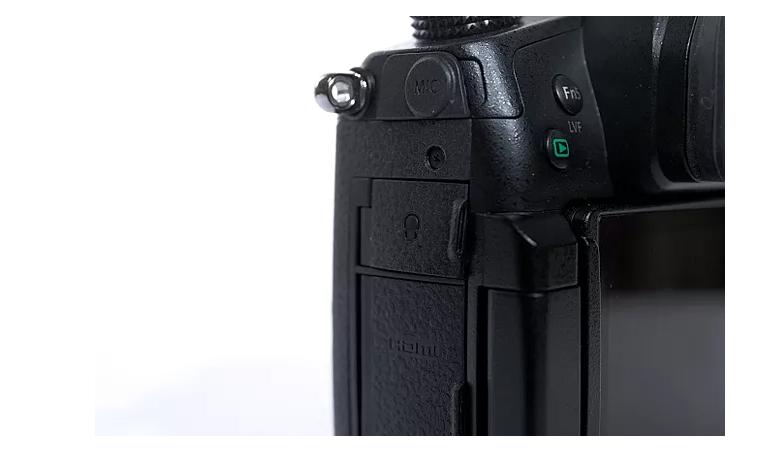 Quá nhiều lý do để Panasonic GH5 là lựa chọn hoàn hảo cho các YouTubers