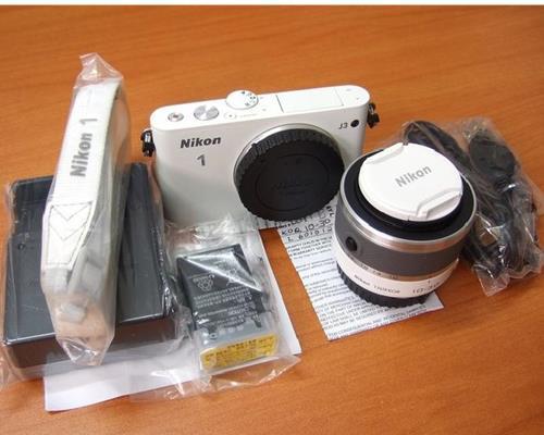 Máy Ảnh Nikon 1 J3 10-30 mm F3.5-5.6 VR Lens Kit