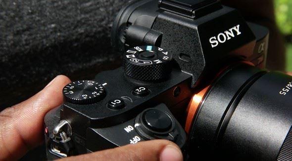 Máy Ảnh Sony Alpha A7r Mark II (ILCE-7rM2) Body