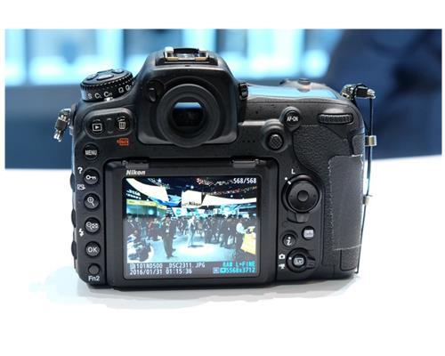 Máy ảnh Nikon D500 Body