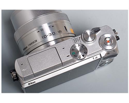 Độc đáo với máy ảnh Nikon 1 J5 Nikon1j59