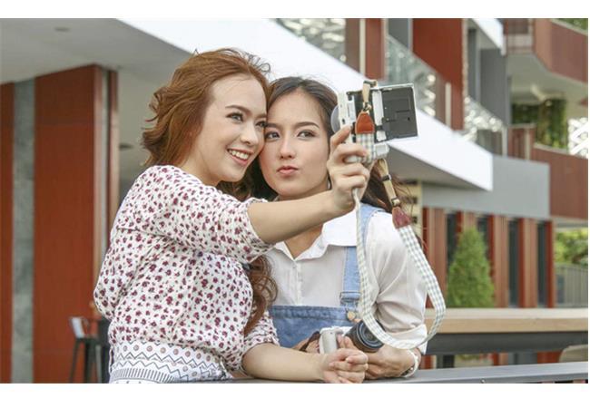 May-anh-fujifilm-X-A10-02